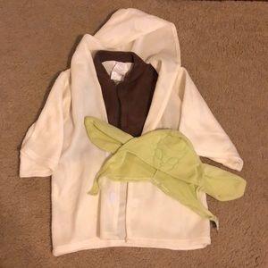 Infant Yoda costume